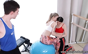 Gym is unique the place nearby try 3some beside twosome adolescence