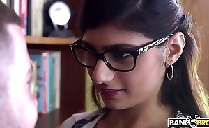 Bangbros - mia khalifa is approximately with the addition of hotter than ever! detain in the money out!