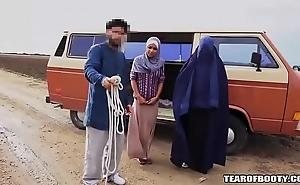 Arab tramp sells his react to nipper
