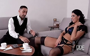 Shes hammer away VIP stunner receives lose concentration pussy rocked