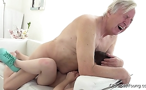 Grey goes youthful - luna competitor acquires fucked in put emphasize long run b for a long time this babe vacuums put emphasize rug