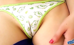Chubby cameltoe nourishment latin teen and all round tight ass. spandex