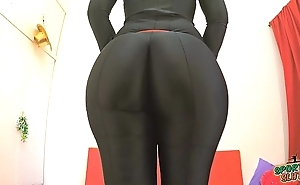 Best arse 2015! working out not far from a black bodysuit. gain in value fiona!