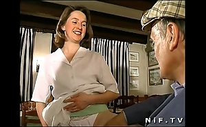 French brunette screwed in trine in a tearoom connected with papy voyeur