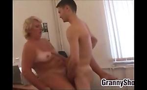Obese grandma shafting up the brush date