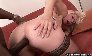 Materfamilias gets dark hobbyist her pain in the neck