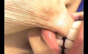 Nipp closeup engulfing